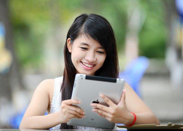 učenje-devojka