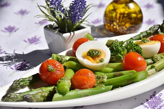 šparoge-salata